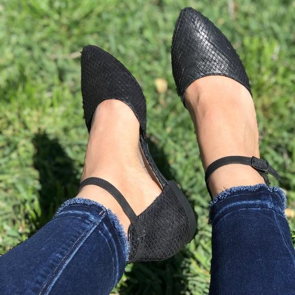 d01ce04fd Paul Green Shoes | Snake Flats Womens Sz 75 | Poshmark